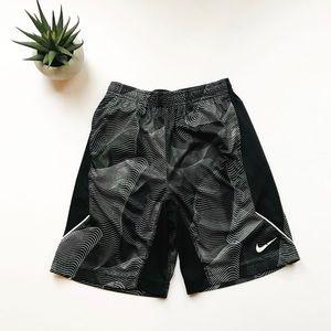 {Nike} boys Basketball shorts black and white